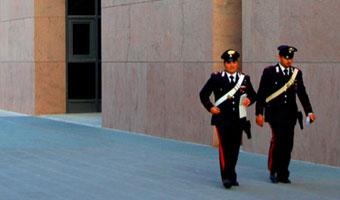 Włoski nauczyciel skarży 28 ministrów