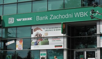 BZ WBK: podatki wyższe o ponad 100 mln zł. Zysk spadł a za nim akcje