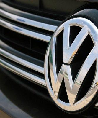 Volkswagen ma zap�aci� dilerom 1,2 mld dolar�w. To jednak nie koniec afery spalinowej