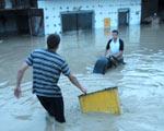 Pow�d� w Kotlinie K�odzkiej. Woda zala�a miasto