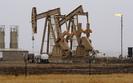 Cena ropy naftowej w g�r�. Spadaj� zapasy surowca