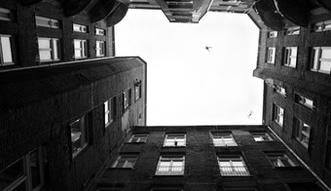 9 post�powa� ws. nieruchomo�ci warszawskich - do prokuratury we Wroc�awiu