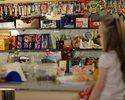 Wiadomo�ci: Sklepiki szkolne zn�w czekaj� zmiany. Od 1 wrze�nia wchodzi nowa lista produkt�w