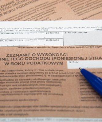 Likwidacja PIT. Prace nad jednolitym podatkiem napotka�y przeszkody