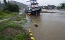 Tajfun w Japonii wywo�a� chaos komunikacyjny