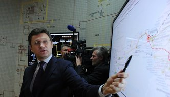 Na Kremlu ciesz� si� z decyzji OPEC. I zamierzaj� to wykorzysta�