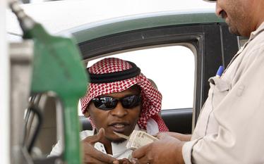 Saudyjscy milionerzy trac� maj�tek. Winne s� spadki cen ropy