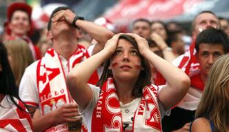 Gdyby Polska by�a na gie�dzie, kupi�by� jej akcje? Po ostatnich wyborach straty by�yby du�e