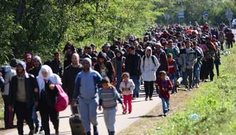 Nie chcesz migrant�w, s�ono zap�acisz. Nowy pomys� Unii zrujnuje Polsk�?