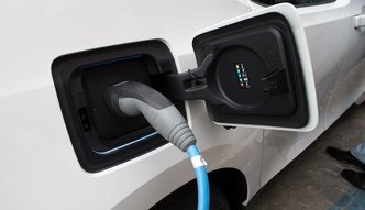 Rabat dla e-aut. Nowy pomysł Ministerstwa Energii