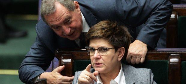 Minister Henryk Kowalczyk i premier Beata Szydło.