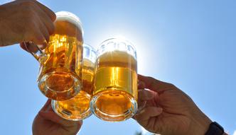 """Dro�sze piwo i woda. """"Lepiej pi� z kranu, nie z butelki"""""""