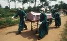 Epidemia eboli. zapocz�tkowa� j� 2-letni ch�opiec z Gwinei
