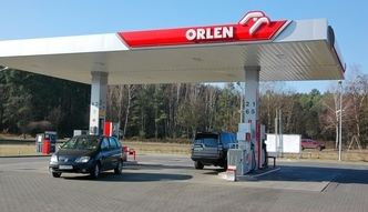 Ministerstwo Energii przejmuje nadz�r nad sp�kami paliwowymi