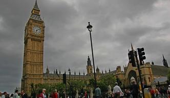 Agencje ratingowe bior� Wielk� Brytani� na cel. Mocne ci�cie ocen
