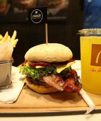 McDonald's z lepszymi wynikami od oczekiwa�. Mniej p�aci za produkty i oszcz�dza na kosztach zatrudnienia