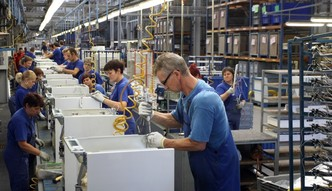 Amica rozpoczęła budowę najwyższego magazynu sprzętu AGD