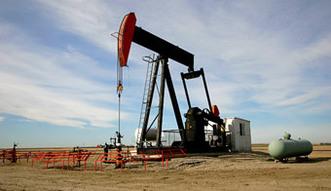 Ceny ropy na �wiecie. Algieria domaga si� od OPEC ograniczenia produkcji ropy