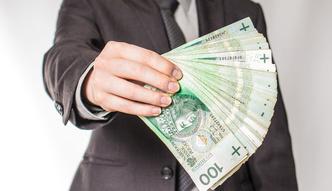 Wynagrodzenia w us�ugach dla biznesu w 2015 roku