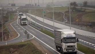 P�aca minimalna dla kierowc�w. KE chce ograniczy� konkurencj� ci�ar�wek z Polski