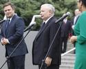 Jaros�aw Kaczy�ski zaskoczy�: Popieramy Tuska, bo Polsce si� to nale�y