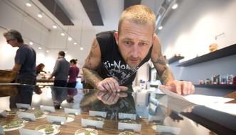 Na narkotyki wydają więcej niż na chipsy. Wszystko o rosnącym rynku marihuany w USA i na świecie
