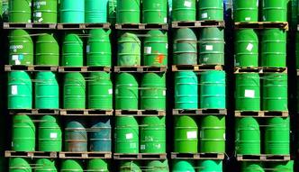 Zmiana sytuacji na rynku ropy ma�o prawdopodobna. Oto kluczowe dane