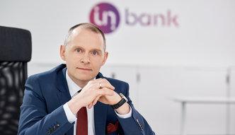 Jak przez siedem miesięcy kilku Polaków zbudowało bank