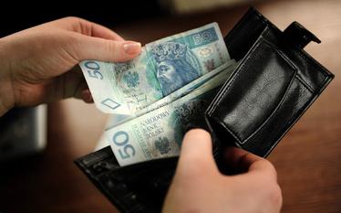 Oszcz�dno�ci Polak�w. Bankowcy zalecaj� d�ugoterminowe odk�adanie pieni�dzy