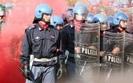 Parali� we W�oszech. Protesty w 25 miastach