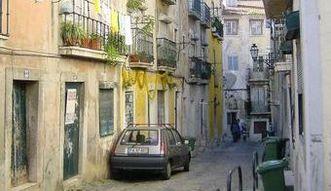 Bezrobocie w Portugalii. Wykwalifikowani pracownicy uciekaj� do by�ych kolonii
