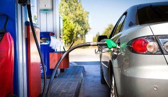Hurtowe ceny paliw spadaj�. Ile zaoszcz�dzimy?