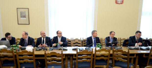 Przedstawiciele banków podczas posiedzenia sejmowej komisji finansów publicznych