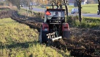 Ustawa o wstrzymaniu sprzeda�y ziemi rolnej b�dzie rozpatrywana przez Senat