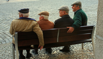 5 proc. emeryt�w i 11 proc. rencist�w �y�o w 2015 r. w skrajnym ub�stwie