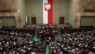 Polakom nie przeszkadza wp�yw biznesu na polityk�, a ko�cio��w - tak - badanie CBOS
