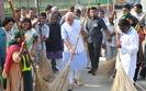 Indie: Premier z miot��, ruszy�a kampania sprz�tania kraju