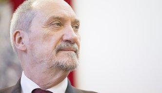 Stocznia szczecińska. Minister Macierewicz chce, by były tam budowane okręty podwodne