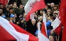 Marsz PiS w Warszawie: Precz z komun�!