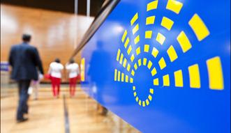 Komisja Europejska obawia się o przyszłość gospodarki. Przyczyną USA