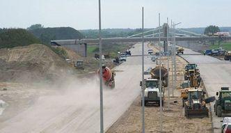 Szmit: szukamy dodatkowych środków na budowę dróg
