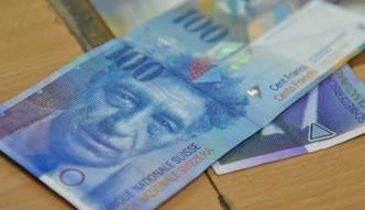 Kredyty we frankach. Dwa banki zwr�c� klientom pieni�dze