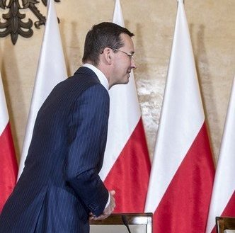 """1000 z�otych i nic wi�cej od pa�stwa, ale w zamian zero sk�adek ZUS. """"Polacy zapomnijcie, �e za 15 lat p�jdziecie na emerytur�"""""""