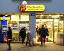 Wiadomo�ci: Rewelacyjny wynik Biedronki. Sklep sprzedaje wi�cej, rosn� zyski
