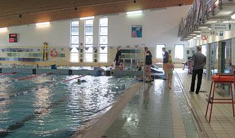 Wdychanie chloru na basenie