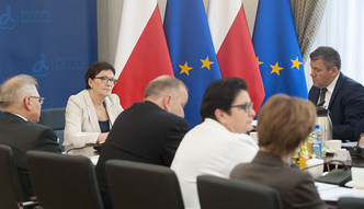 Kampania wyborcza. Ewa Kopacz nie ujawnia koszt�w wyjazdowych posiedze� rz�du
