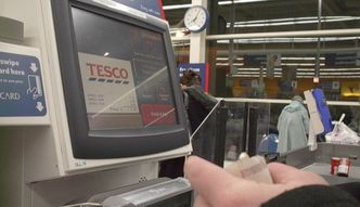 Wojna Tesco z Unilever. Produkty znikają z półek, a wszystkiemu winny słaby funt