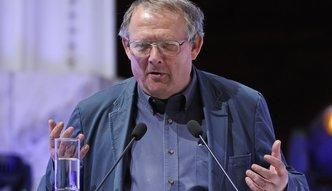 """""""Wyborcza"""" traci, Michnik oskarża PiS. Ale dla Agory popcorn ważniejszy od gazety"""