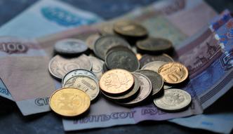 Rosyjski rubel. Eksperci prognozuj� dalszy spadek warto�ci