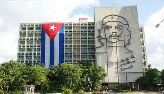 """Kuba zalegalizuje drobn� i �redni� """"inicjatyw� prywatn�"""""""